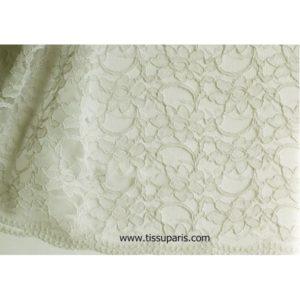 Dentelle fleurs bords arqués gris clair 900920-18 134cm