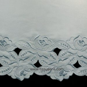 Dentelle satin broderie florale bleu clair 260mm NZ-00250