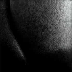 Simili cuir rigide noir SDG13