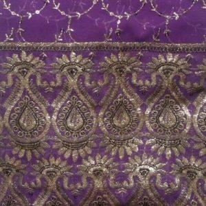 Tissu indien Brodé Violet