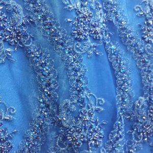 Dentelle perlée bleue turquoise avec pierres diamants